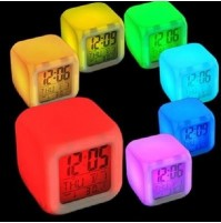 CUBO LED OROLOGIO CON SVEGLIA DIGITALE COLORATO DISPLAY ALLARME DATA mshop